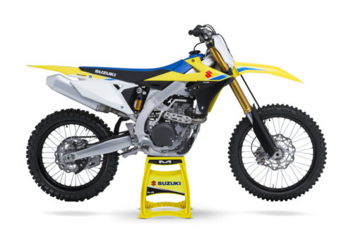 L8 RM-Z450 On Stand